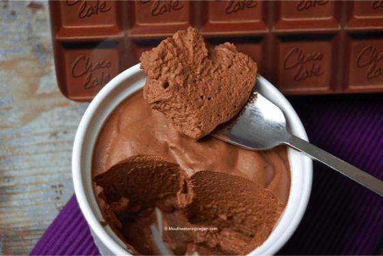 Mousse au Chocolat with Air Bubbles ! (Chocolate Mousse)